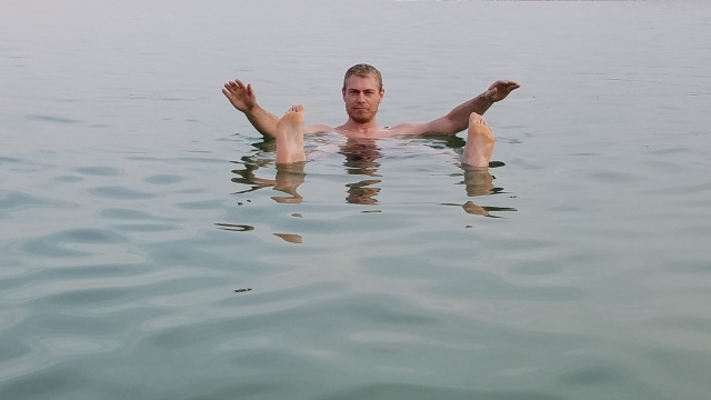 kyle-floating-in-the-dead-sea